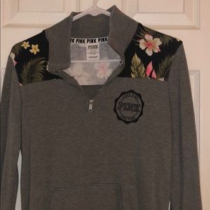 VS PINK GRAY AND FLORAL QUARTER ZIP SIZE XS